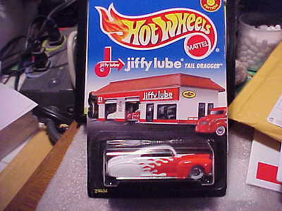 (Hot Wheels Jiffy Lube Tail Dragger with Real Riders)