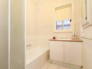 ROOM FOR RENT 5 MINS FROM HUNTINGDALE STATION AND MONASH UNIVERSI Oakleigh South Monash Area Preview
