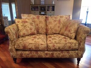 Beautiful Love Seat for Sale.  Very Clean, Great Condition.