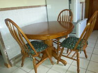 Beautiful Solid Oak Dining Set