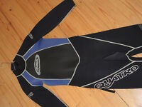 ALDER Titanium Quattro 3x2 XL young person's wet suit. Grown out of. Still in Great Condition!