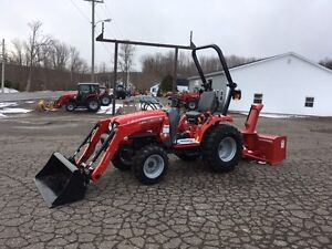 Massey Ferguson 25hp Deluxe Compact Tractor with Loader