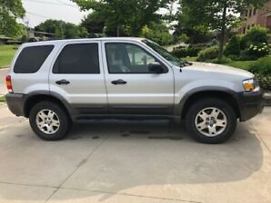 2006 Ford Escape XLT AWD - LOW KMs