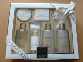 NEW Baylis & Harding Sweet Mandarin & Grapefruit Gift Set