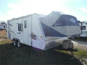 2008 Aerolite Cub 214 Hybrid trailer with slideout - Sleeps 8