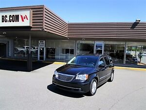 2016 Chrysler Town and Country Luxury