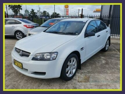 2007 Holden Commodore VE Omega White 4 Speed Automatic Sedan Lansvale Liverpool Area Preview