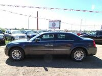 2008 Chrysler 300 Touring ONLY 106,000 KMS ON THIS GORGEOUS CAR