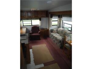1999 Golden Falcon 28RLG 5th Wheel Trailer with Slideout Stratford Kitchener Area image 20