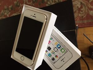 LIKE BRAND NEW IPHONE 5S SILVER BELL AND VIRGIN MOBILE