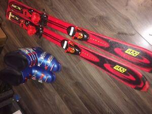 ski alpin, bottes et batons pour 5 à 8 ans