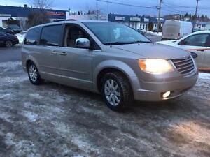 2008 Chrysler Town & Country Touring Extra-Clean MINI VAN