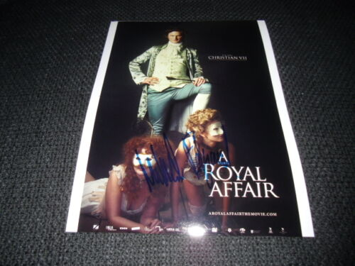 "MIKKEL BOE FOLSGAARD signed Autogramm auf 20x28 ""THE ROYAL AFFAIR"" Bild InPerson"