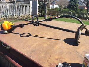 """Poulan Pro 17"""" cut gas 25CC weed trimmer. Like new. 2 stroke"""