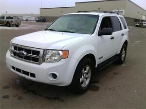 FORD ESCAPE CHECK IT OUT BEFORE IT SELLS!! FINANCING AVAILABLE! Edmonton Edmonton Area image 1