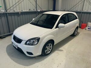 2011 Kia Rio JB MY11 S White 4 Speed Automatic Hatchback Lonsdale Morphett Vale Area Preview