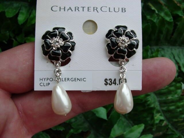 BLACK ENAMEL FLOWER - faux pearl - DANGLE clip EARRINGS - rhinestone - NOS