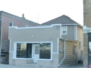 3 Bedroom House for Sale w/ Commercial Store Front