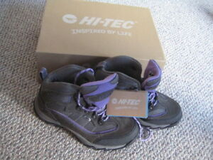New in box Hi-Tec hikers size 6.5