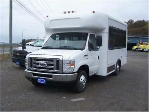 Ford E-350 Super duty 9 seated Van