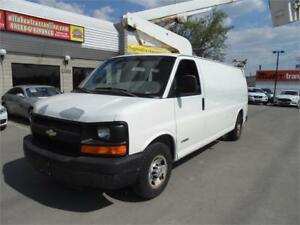 2006 CHEVY EXPRESS 2500  EXTENDED W/VERSA LIFT