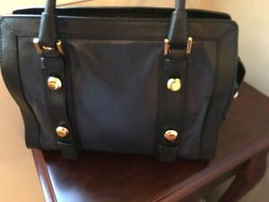 Michael Kors Collins Classic Bag