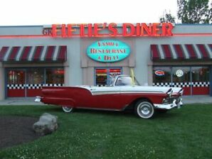 1957 Ford Fairlane retractable