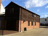 2 bedroom house in High Street, Gosport