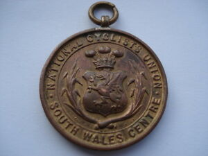 C1910-VINTAGE-NATIONAL-CYCLISTS-UNION-SOUTH-WALES-CENTRE-10-MILES-CHASHIP-MEDAL