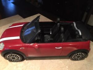Ken's Barbie mini-cooper convertible car