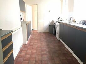 Check out this 5 bed property! Perfect location for students!
