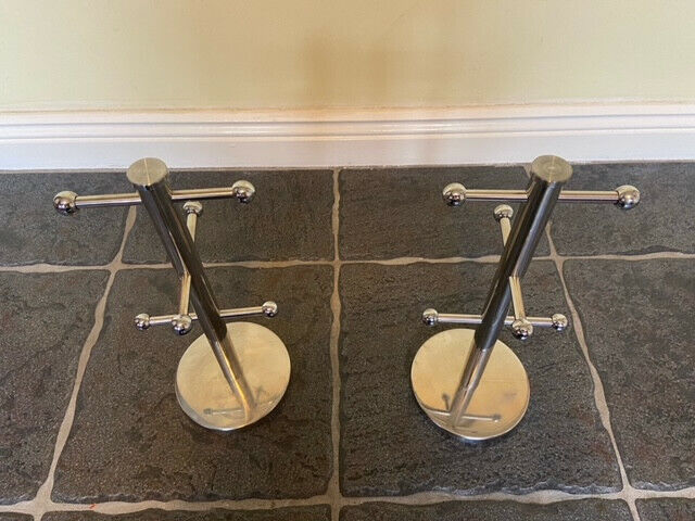 2 x Chrome Cup Stands