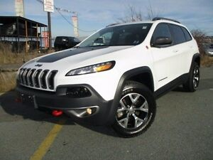 2016 Jeep CHEROKEE Trailhawk 4X4 (JUST REDUCED TO $27980!)