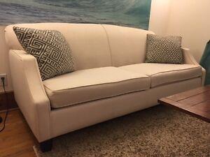 Leon's couche