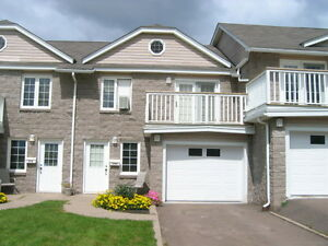 Beautiful Townhouse in Dieppe August 1st