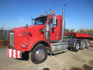 2006 Kenworth T800 Tri/A Hiway Tractor - Day Cab - Heavy Spec