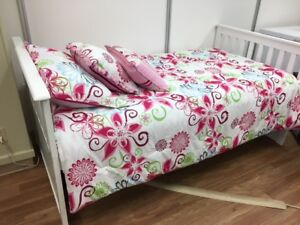Lulu white twin bed, Mattress included