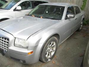 2006 Chrysler 300 RUNS AND DRIVES AS-TRADED AS-IS DEAL
