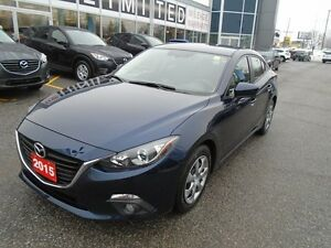 2015 Mazda Mazda3 ONLY 8000KM **A/C & UNLIMITED MILAGE WARRANTY*
