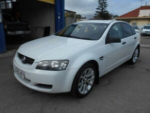 2006 Holden Commodore VE Omega White 4 Speed Automatic Sedan Christies Beach Morphett Vale Area Preview