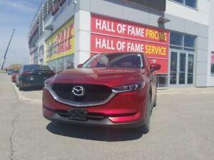 2017 Mazda CX-5 Sport LOW KM- 1 OWNER - LIKE NEW