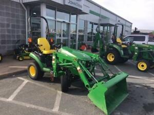 2016 JOHN DEERE 1025R TRACTOR WITH LOADER