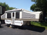 2010 Rockwood Freedom - tent trailer - King Bed - Power Roof