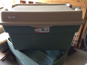 Wanted: Rubbermaid BINS WANTED - tote, storage, bins, moving, bo