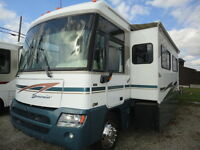 2004 Itasca Suncruiser 35U with 2 Large Slides