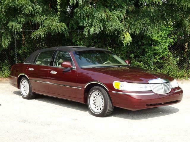 Image 9 Voiture American used Lincoln Town Car 2000