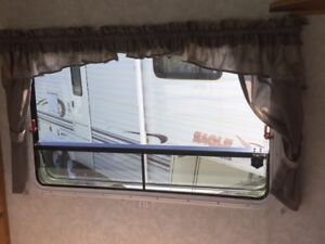 2002 / 30 FT Trailer Lite by R Vision