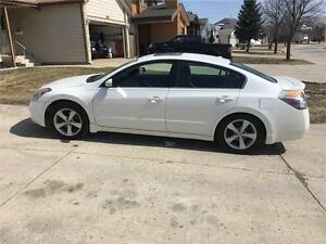 "2007 Nissan Altima 3.5 SE ""We finance! Pay direct-No banks"""