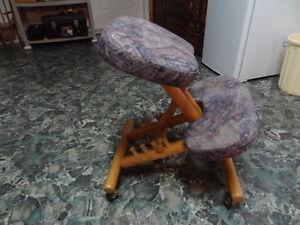 chaise ergonomique assis-genoux