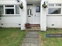 2 bedroom flat in Goring Way, Greenford, UB6 (2 bed) (#1134951)